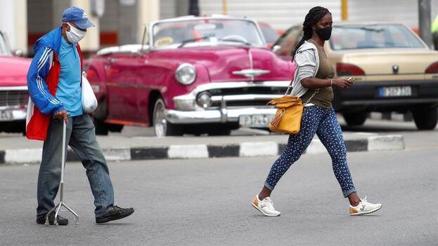 Cuba se mantiene en los niveles máximos de contagios de covid desde que comenzó la pandemia. (EFE/Yander Zamora/Archivo)