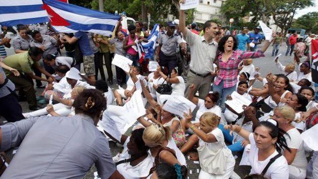 Cuban activists detained