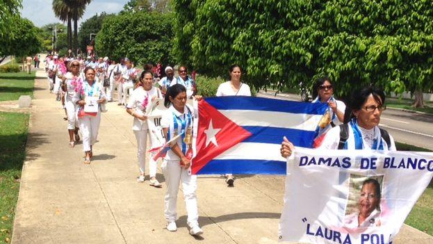 Para la marcha de hoy se habían presentado al menos 61 Damas de Blanco y 18 hombres, activistas y periodistas independientes