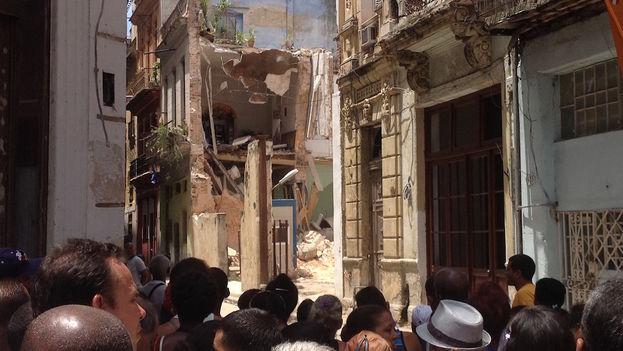 Derrumbe en la calle Habana de Habana Vieja. (14ymedio)
