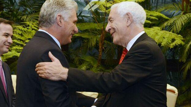 Díaz-Canel durante su encuentro con Lord David Triesman, líder de la delegación británica. (DíazCanelB)