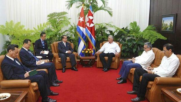 Díaz-Canel y Ri Su-yong conversaron este jueves sobre las relaciones bilaterales de Cuba y Corea del Norte. (EFE)