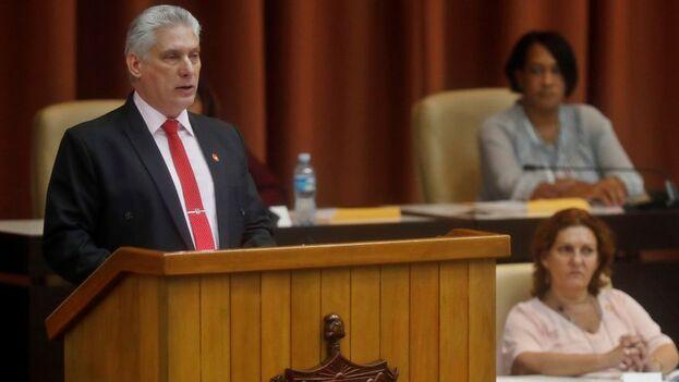 Díaz-Canel intervino en la sesión parlamentaria, a la que asistió Raúl Castro. (EFE)