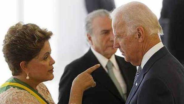Dilma Rousseff y Joe Biden. (Folha de São Paulo)