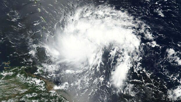 La tormenta tropical Dorian se acerca a Puerto Rico desde el arco de las antillas menores. (NOAA)