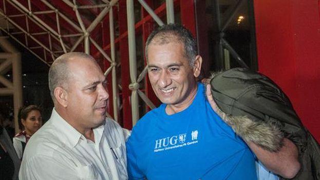 Dr. Félix Báez Sarría llegando a La Habana