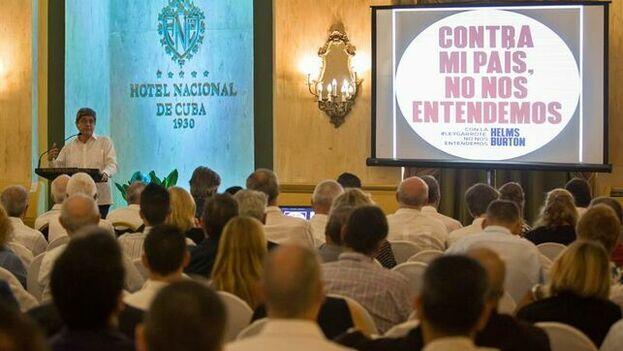 El director general para EE UU del Ministerio cubano de Exteriores, Carlos Fernández de Cossío durante un encuentro en La Habana. (EFE)