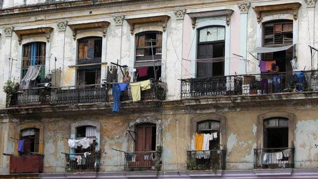 Edificio de apartamentos en La Habana. (EFE)