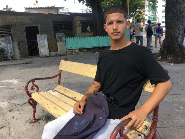 """Eliezer Llorente: """"Tengo muchas ganas de que mi padre esté en la calle y tenerlo cerca"""". (14ymedio)"""