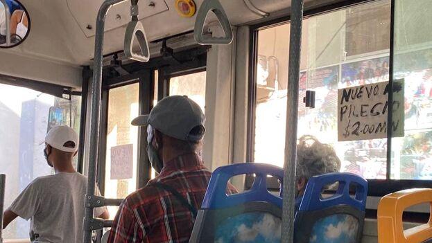 """Ell """"nuevo precio"""" del pasaje del transporte público es de 2 pesos, cinco veces lo que costaba hasta este jueves. (14ymedio)"""