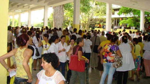 Estudiantes de la Facultad de Medicina de Villa Clara. (Facebook)
