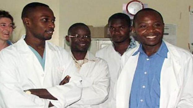 Estudiantes de medicina de Ghana en Cuba. (Minrex)