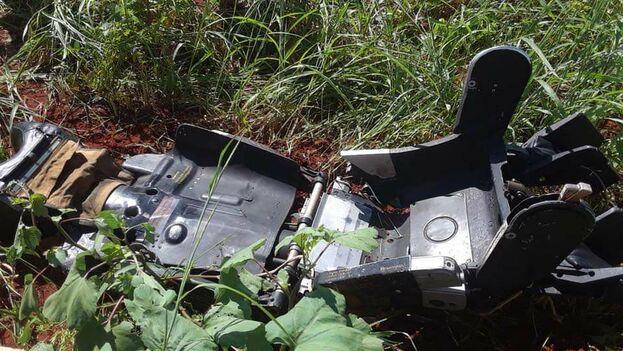 """Según la página de Facebook del periódico Artemisa: """"reportaron cerca de las 11:00 am haber visto un avión en llamas y a dos tripulantes lanzarse en paracaídas"""". (Ignacio Gonzalez)"""