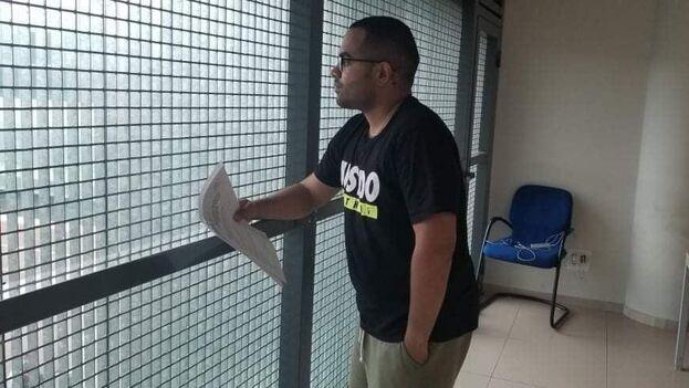 Falcón Moreno, que tiene en España a una esposa georgiana y a su hijo pequeño con residencia legal, tiene fe en que su caso se resuelva favorablemente. (cortesía)