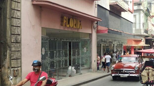 Florida, una de las tiendas de cuentapropistas en Centro Habana. (14ymedio)