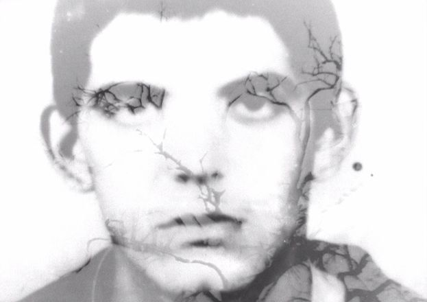 Fotograma de 'El hijo del sueño', que revive a través de cartas y postales familiares los recuerdos del realizador sobre un tío al que no pudo conocer debido a la separación provocada por el éxodo del Mariel. (CC)