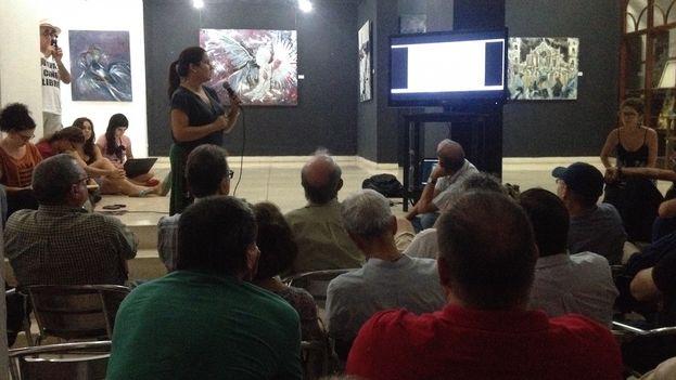 El grupo de G-20, compuesto por artistas y productores, reunidos en La Habana. (14ymedio/Luz Escobar)
