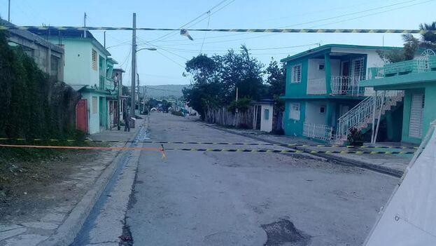 Tres cuadras de la calle General García fueron puestas en aislamiento (Yasmín Tortoza/Facebook)
