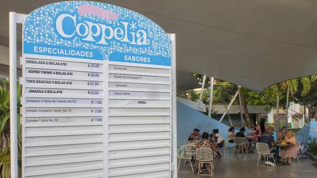 Ante los reclamos populares, el Gobierno decidió reducir los precios del Coppelia en La Habana. (Facebook/Cuba Noticias 360)