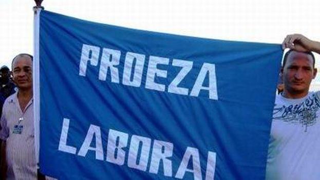 """El Gobierno exige """"proezas laborales"""" a los trabajadores pero no permite la libertad sindical. (Juventud Rebelde)"""