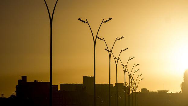 El Gobierno cubano prevé reemplazar en los próximos años 13 millones de lámparas fluorescentes por LED. (Cubahora)