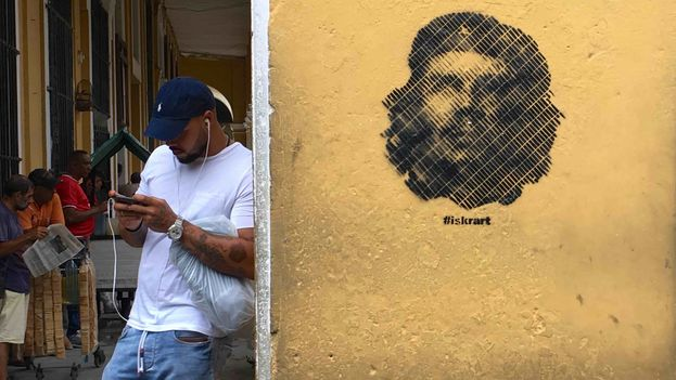 Grafiti de Ernesto 'Che' Guevara en una pared de La Habana. (14ymedio)