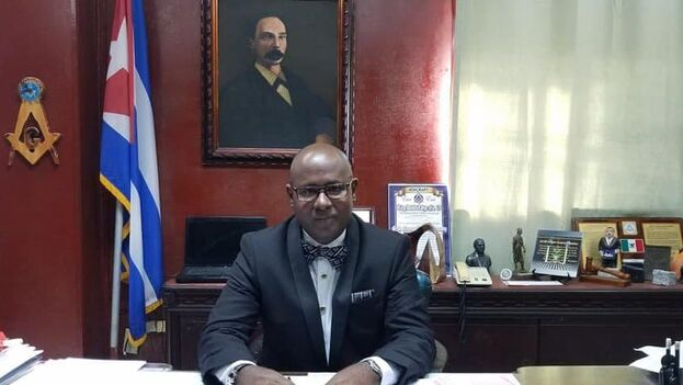 En la imagen el Gran Maestro Ernesto Zamora Fernández. (Gran Logia de Cuba)