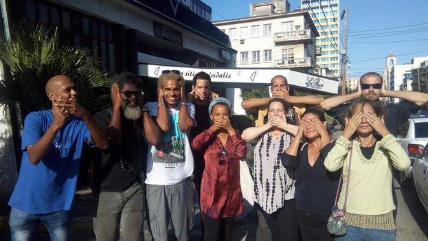 Grupo de artistas que impulsan la campaña contra el Decreto 349. (Cortesía)