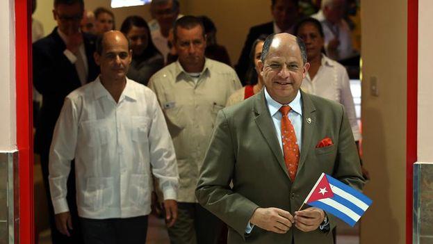 Luis Guillermo Solís, llegó este domingo 13 de diciembre a La Habana. (EFE/Alejandro Ernesto)