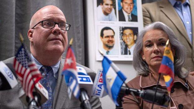 Orlando Gutiérrez encabezó una rueda de prensa con con otras figuras del exilio y ex presos políticos en Cuba y exiliados de Nicaragua y Venezuela que tuvo como punto principal la visita de los Reyes Felipe VI y Letizia a Cuba. (EFE)