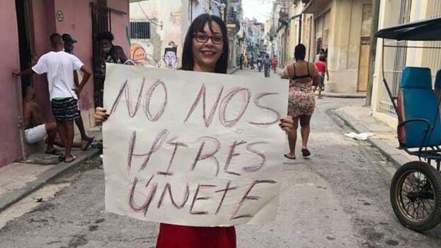 HRW mencionó que a la periodista independiente Iliana Hernández se le impide salir de su casa desde el pasado 23 de abril. (Facebook)