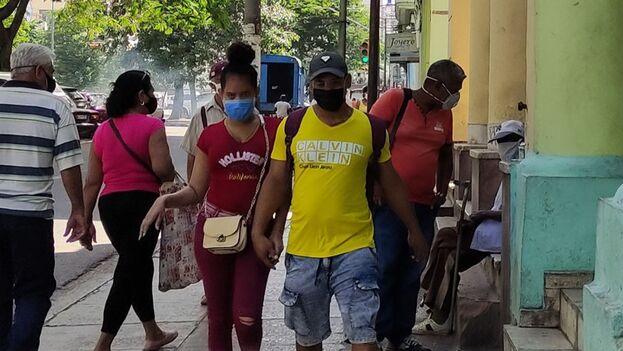 La Habana, la zona de la Isla más afectada por la pandemia, reportó en las últimas 48 horas 1.035 nuevos casos. (14ymedio)
