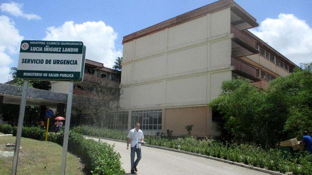 Hospital Clínico Quirúrgico Lucía Íñiguez Landín, uno de los denunciados por enterrar residuos biológicos en el cementerio de Holguín. (14ymedio)