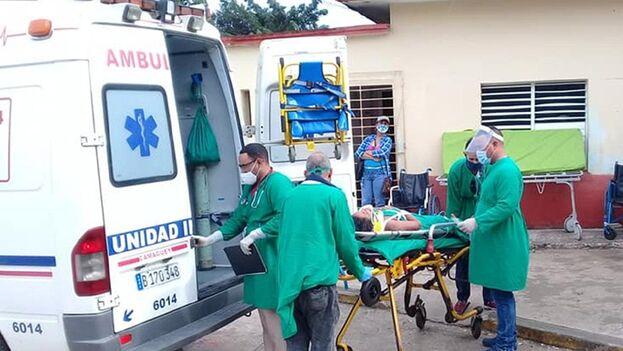 Los heridos fueron trasladados al Hospital Municipal Manuel Piti Fajardo de Florida. (Facebook/Yunier Soler Castellanos)