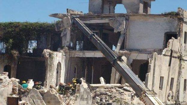 Hotel Comercio en Caibarién, en cuya reconstrucción perecieron dos obreros. (Radio Caibarién)