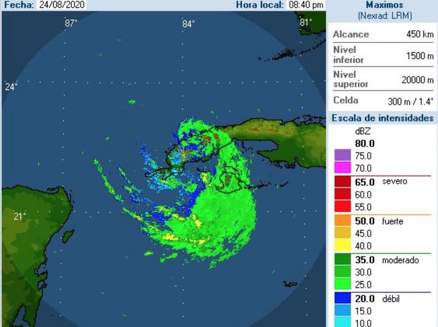 Imagen del radar de La Bajada a las 8:40 pm de este lunes, poco después de que 'Laura' tocara tierra en Punta La Capitana en la provincia Artemisa.