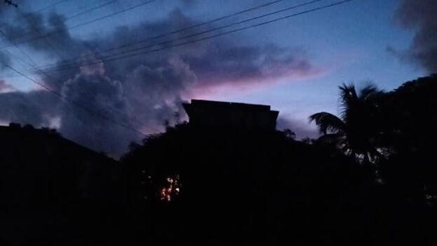 Imagen del apagón del martes en Cuba. (Facebook)