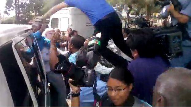 Imágenes del enfrentamiento entre activistas cubanos y oficialistas en Panamá