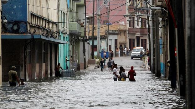 El huracán Irma provoca inundaciones severas en La Habana. (EFE)