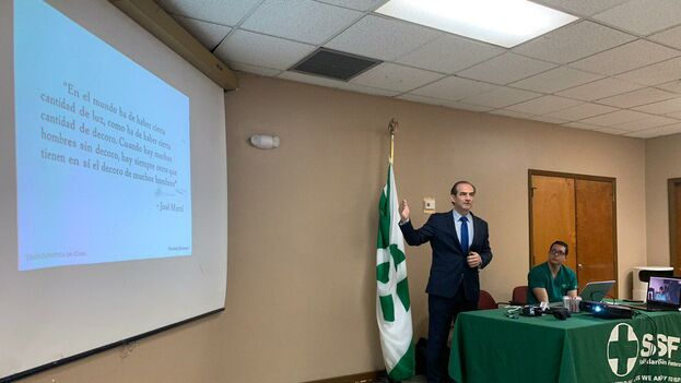 Javier Larrondo asegura que Cuba ha engañado durante años a muchos países, presentando estas misiones como algo humanitario. (Mario J. Pentón)