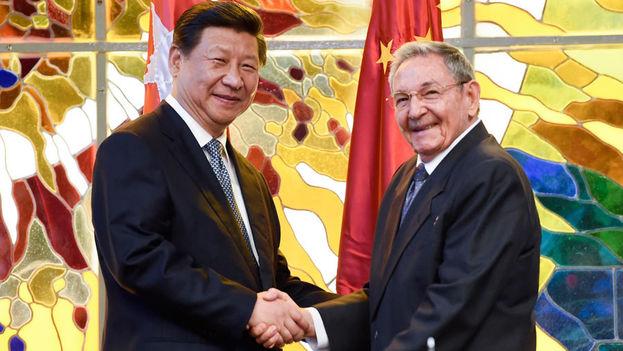 """Xi Jinping y Raúl Castro sellan su """"amistad firme"""" en La Habana. (Spanish Xinhua)"""