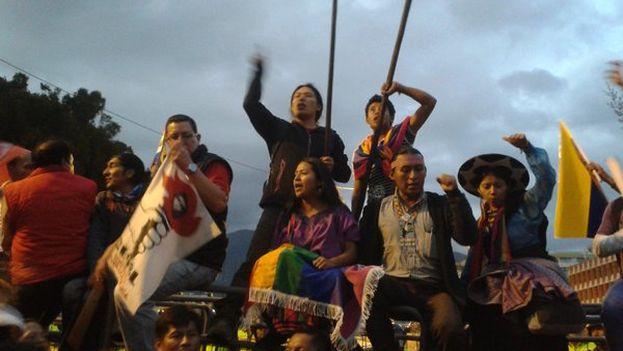 Llegada de la cabecera de la protesta a la Asamblea Nacional. (@conaie)