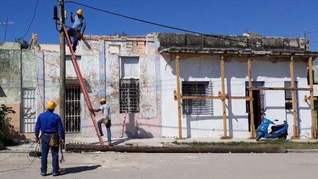 La casa de María Elena López estaba frágil mucho antes de que la furia del tornado se cebara en la ciudad más poblada de la Isla. (14ymedio)