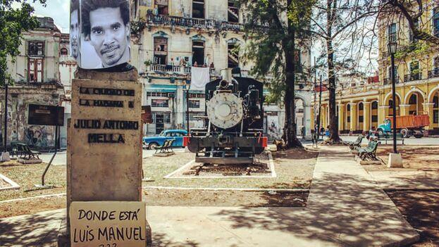 """Busto de Mella con la imagen de Luis Manuel Otero Alcántara y una pregunta: """"¿Dónde está?"""""""