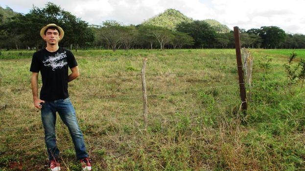 Maykel González Vivero ha hecho pública la conversación mantenida con presuntos oficiales que lo detuvieron cuando hacía su trabajo como reportero en Baracoa. (cortesía)