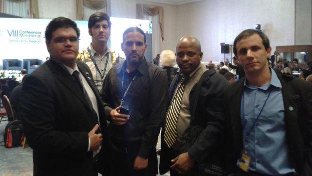 De izquierda a derecha: César Mendoza, Claudio Fuentes, Camilo Ernesto Olivera, Fernando Palacio y Henry Constantín. (14ymedio)