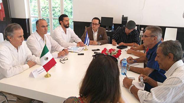 Mesa de trabajo entre los titulares de Agricultura de México y Cuba, este lunes en La Habana. (Sagarpa)