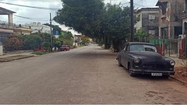 Entre las principales actividades previstas en Meteoro 2021 figuran la limpieza de calles y alcantarillados en zonas de las ciudades propensas a inundaciones, como las partes bajas de La Habana. (EFE/Ernesto Mastrascusa/Archivo)