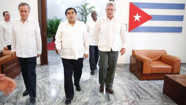 Miguel Díaz-Canel y Miguel Barbosa reunidos en La Habana. (Twitter/@MBarbosaMX)