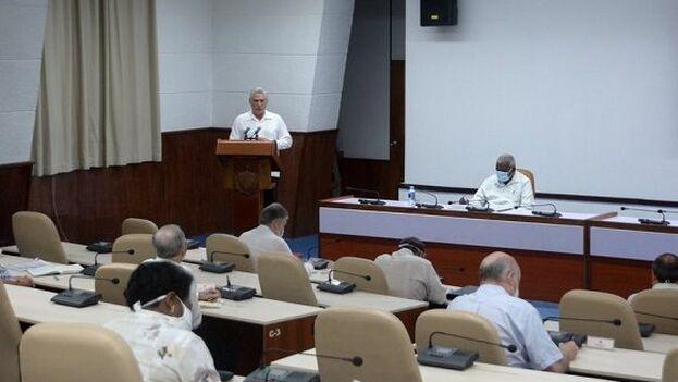El presidente Miguel Díaz-Canel durante su intervención ante el Consejo de Ministros este jueves.